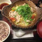 外食で野菜をとる!大戸屋の『四元豚とたっぷり野菜の蒸し鍋定食』