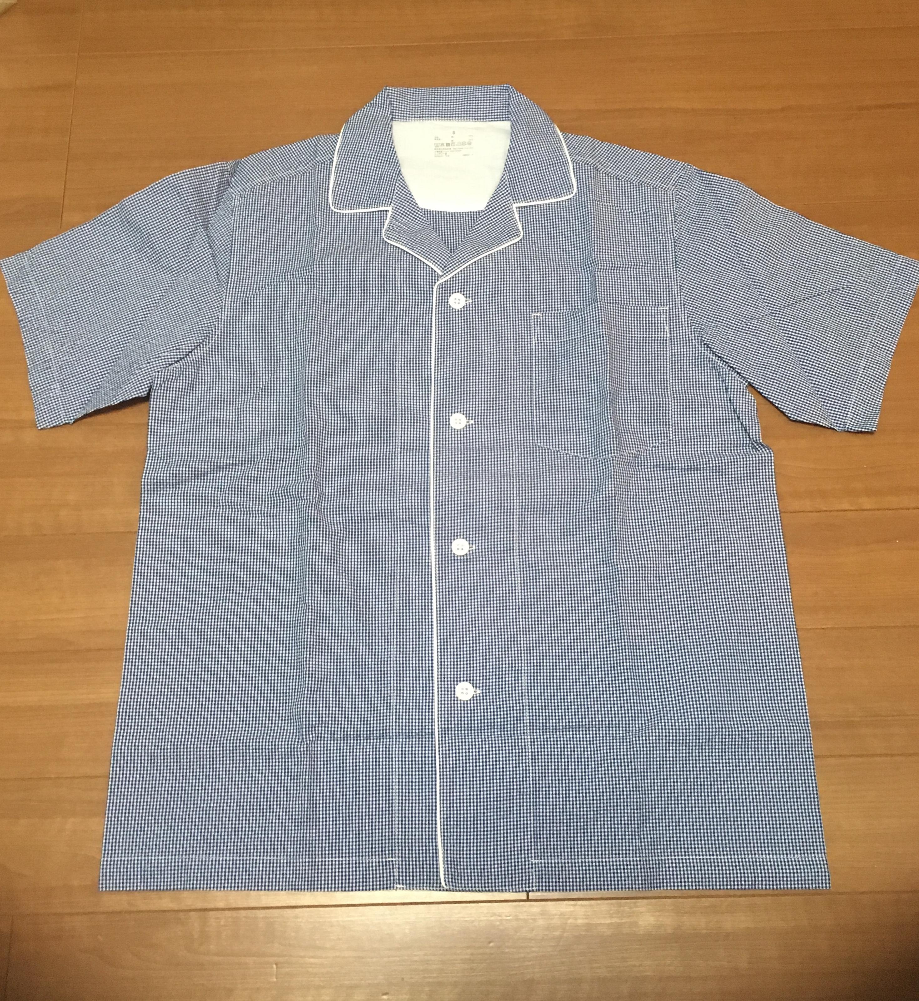 無印良品のサッカー織り半袖パジャマのシャツ